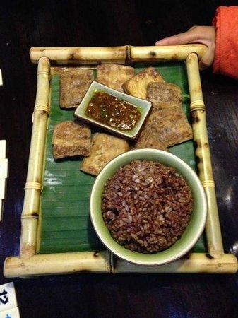 Mood Food Energy Cafe: Tofu and rice plate