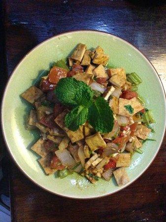 Mood Food Energy Cafe: Tofu and veggie scramble is so tasty!