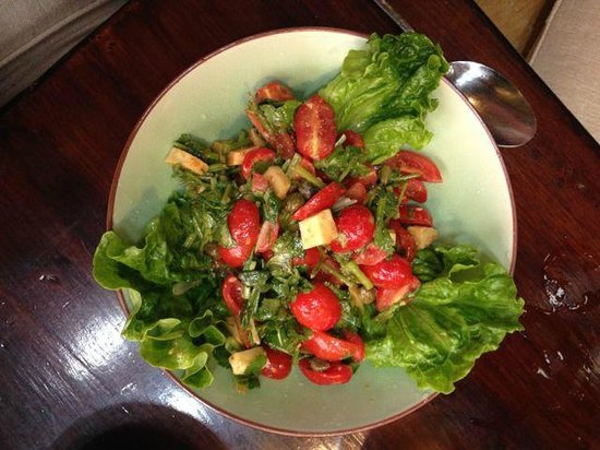Mood Food Energy Cafe: Tomato salad is so beautiful you don't want to eat it!