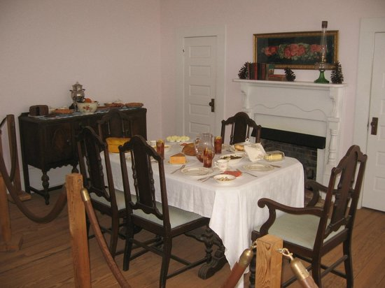 Georgia Visitor Information Center - Plains: Dining room in Jimmy Carters boyhood home, Plains, GA