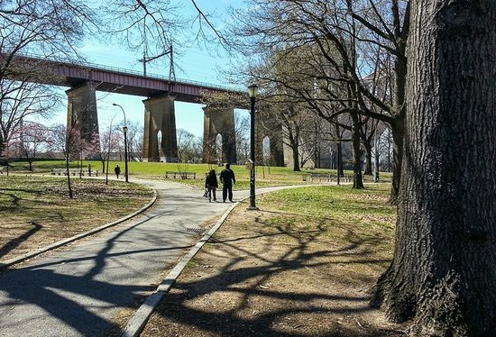 Agnanti : Views from Astoria park