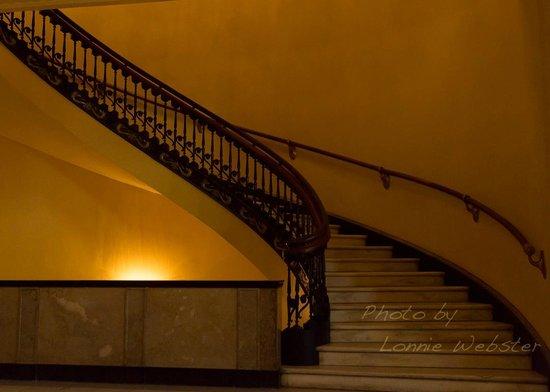 Arlington Resort Hotel & Spa : Straircase