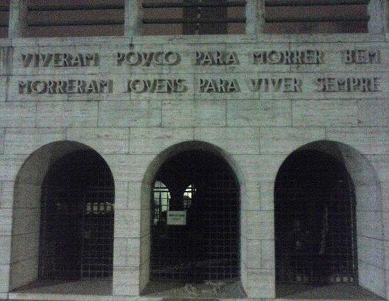 Obelisk of Sao Paulo: Fechado para reforma
