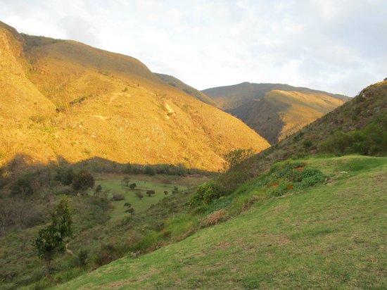 Suites Arco Iris: Vista hacia la colina