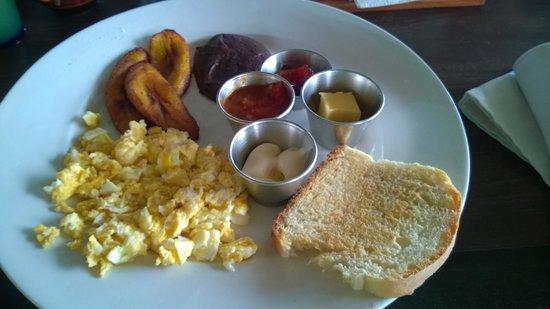 Tortugal River Lodge : Guatemalan breakfast