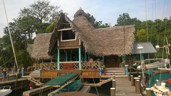 Tortugal River Lodge: The dock where you arrive