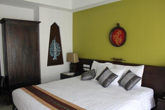 Navatara Phuket Resort: Gorgeous, comfy beds