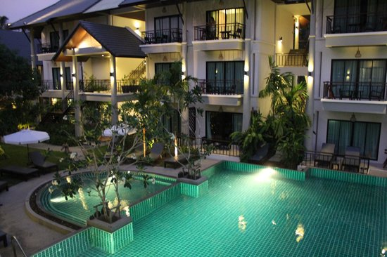 Navatara Phuket Resort: 24 hour pool