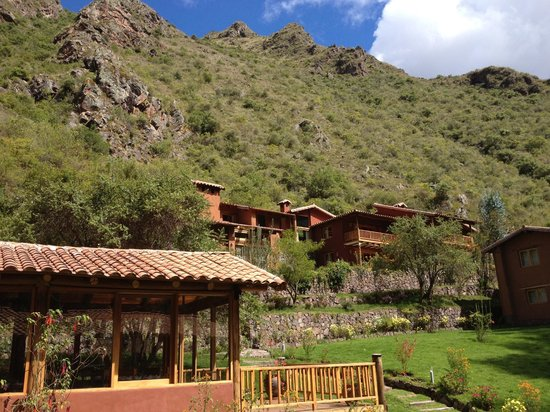 Sacred Dreams Lodge: Beautiful Andean mountains