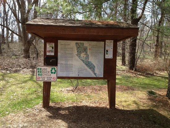 Corbett's Glen Nature Park: Park sign-in booth