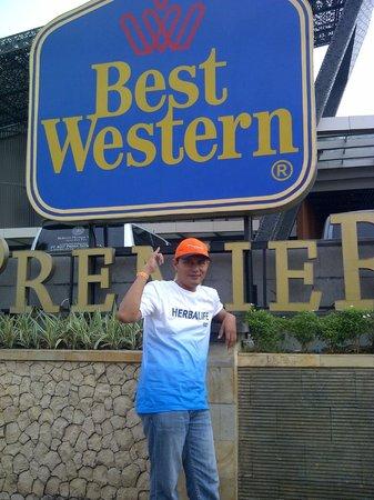 Ramada Bali Sunset Road Kuta : Halaman depan Hotel