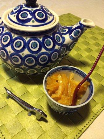 Hotobil: Petit déjeuner avec confiture fais maison