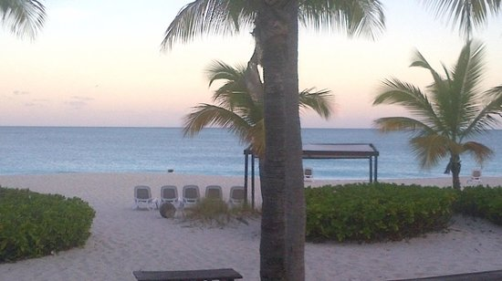 Club Med Turkoise, Turks & Caicos : Funny looking palapa