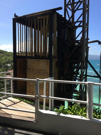 Nami Resort : Interesting Elevator