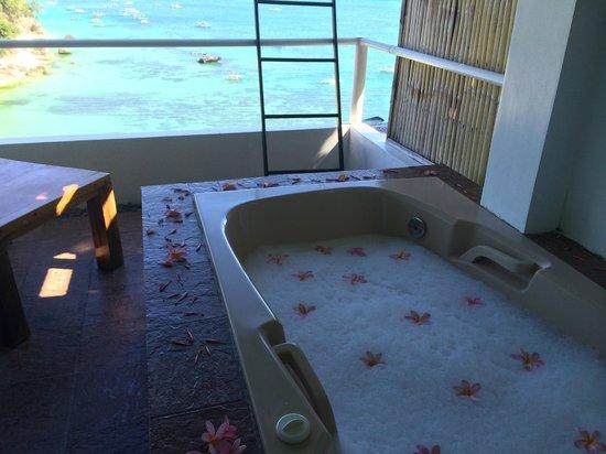 Nami Resort : Jacuzzi at the balcony
