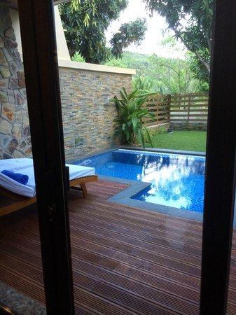 Vinpearl Nha Trang Resort: our private pool