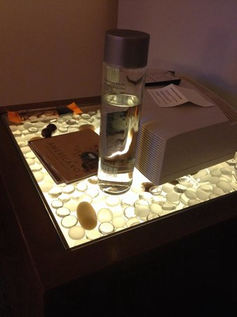 Hotel Vitale, a Joie de Vivre hotel : Light up night stand.  Pebbles or glass thingies.  Mildly interesting.