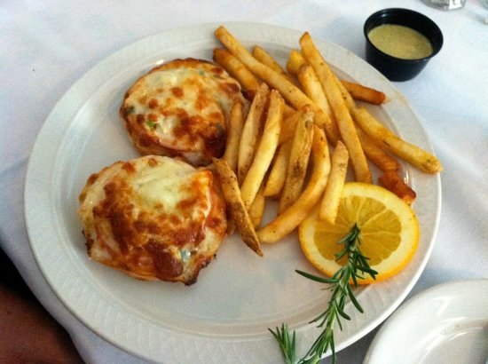 The Riverboat Landing: crab cake melt