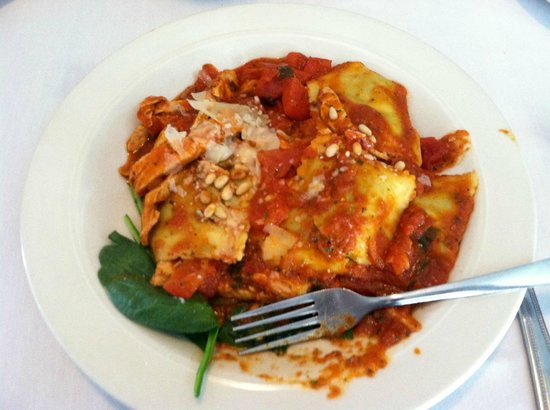 The Riverboat Landing: spinach ravioli with chicken