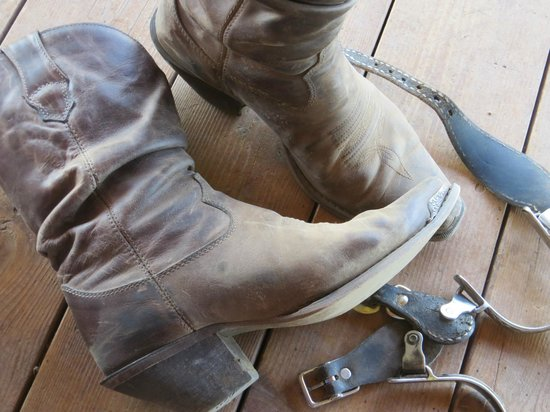 Dryhead Ranch: Boots and spurs