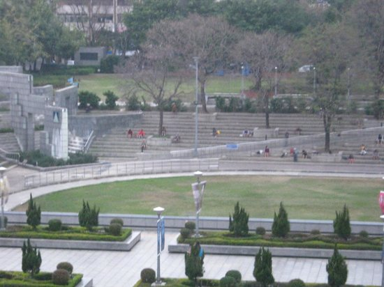 National Science and Technology Museum, Kaohsiung : Landscaped grounds outside