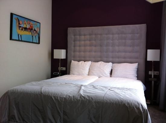 Post-Plaza Hotel & Grand Cafe : room 101