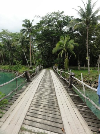 Savasi Island Resort: Bridge onto the Island