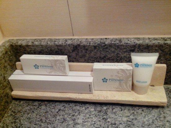 Cebu Parklane International Hotel: Toiletries
