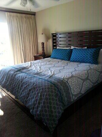 SeaCrest Condos: master bed