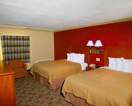 Quality Inn & Suites Kansas City I-70 East: Queen-Queen Two Beds GuestRoom