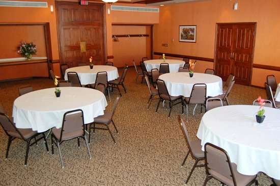 Quality Inn & Suites Kansas City I-70 East: Banquette Meeting Room
