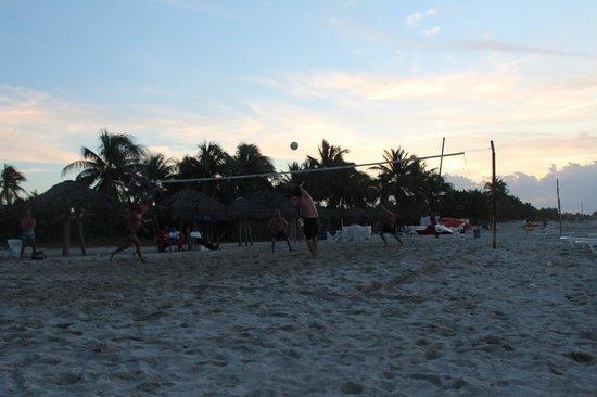 Gran Caribe Villa Tortuga: Playa hotel