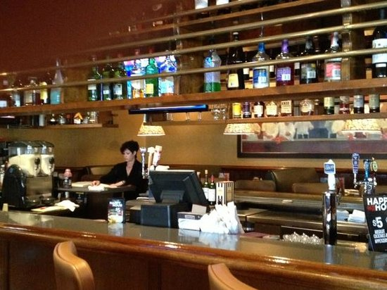 Ruby Tuesday - bar area