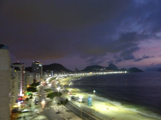 Rio Guest House ( Marta's Guest House) : Night View from Terrace