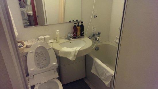 Hotel Sunroute Higashi Shinjuku : 浴室的感覺。