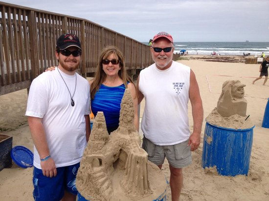 Sandcastle Lessons: Great fun making sand castles