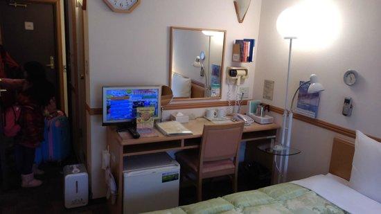 Toyoko Inn Matsuyama Ichibancho: 房內