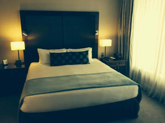 Pullman Auckland: King bed