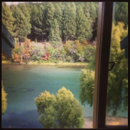 Rio Mel Lodge: Otoño desde la ventana de la habitacion