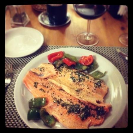 Rio Mel Lodge: Hoy cenamos... Trucha!