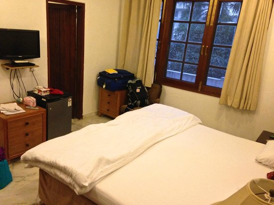 Soi: Large, clean room with VERY comfy bed