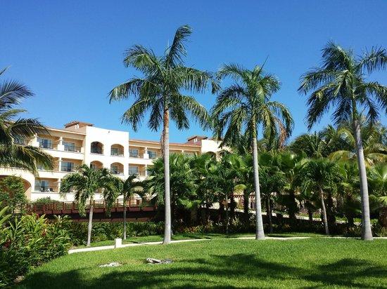Hacienda Tres Rios : View from pool towards Hotel.