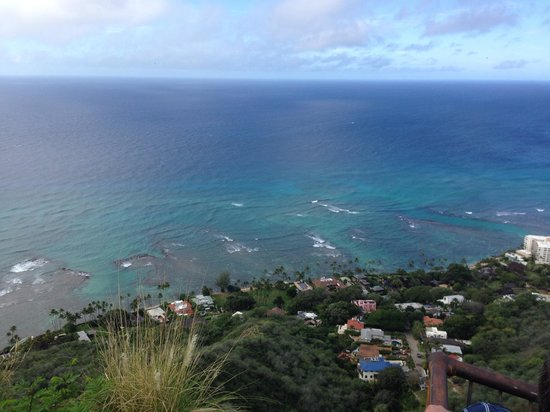 Diamond Head State Monument: 山頂からの景色