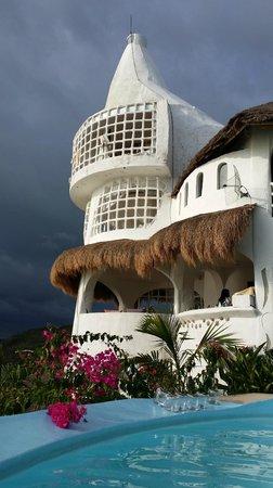 AL FARO Cosmio Hotel Palawan: lovely Al Faro