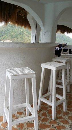 AL FARO Cosmio Hotel Palawan: The little bar