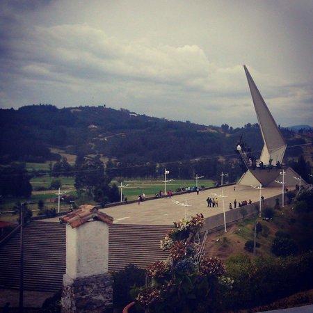 Pantano de Vargas  Monumento a los 14 lanceros: Vista desde el Museo
