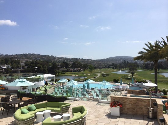 Omni La Costa Resort & Spa: Golf course view from main lobby