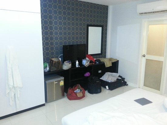 Airport Mansion Phuket: Basic room