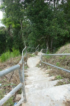 Gunung Raya: where the staircase meets the road