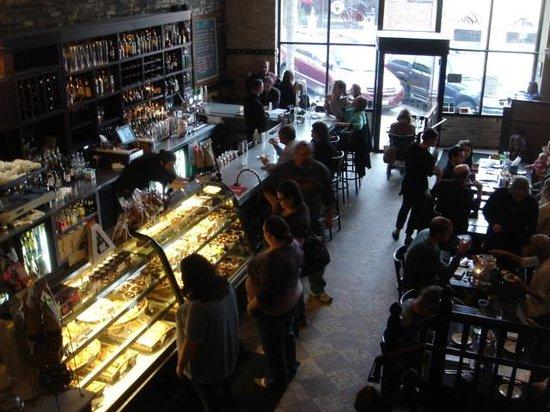 Le Reve Patisserie & Cafe: Downstairs patisserie